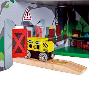 Circuit de train MIGHTY MOUTAIN MINE Hape