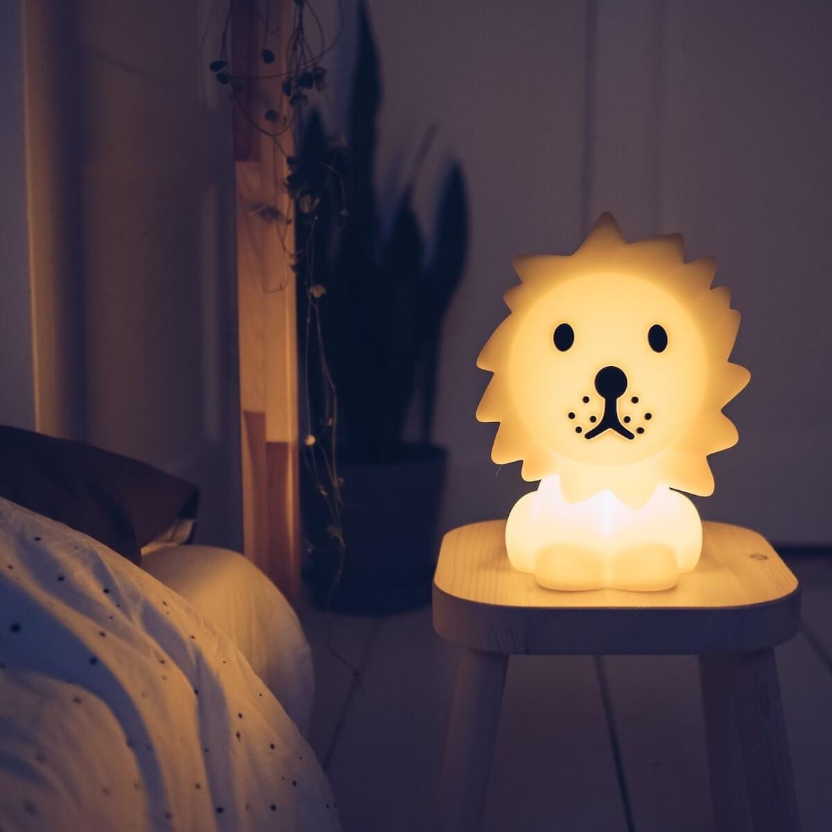 Lampe à poser LION FIRST LIGHT Mr. Maria jaune
