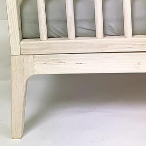 Lit bébé KERA en frêne avec top Straight-pieds Pure