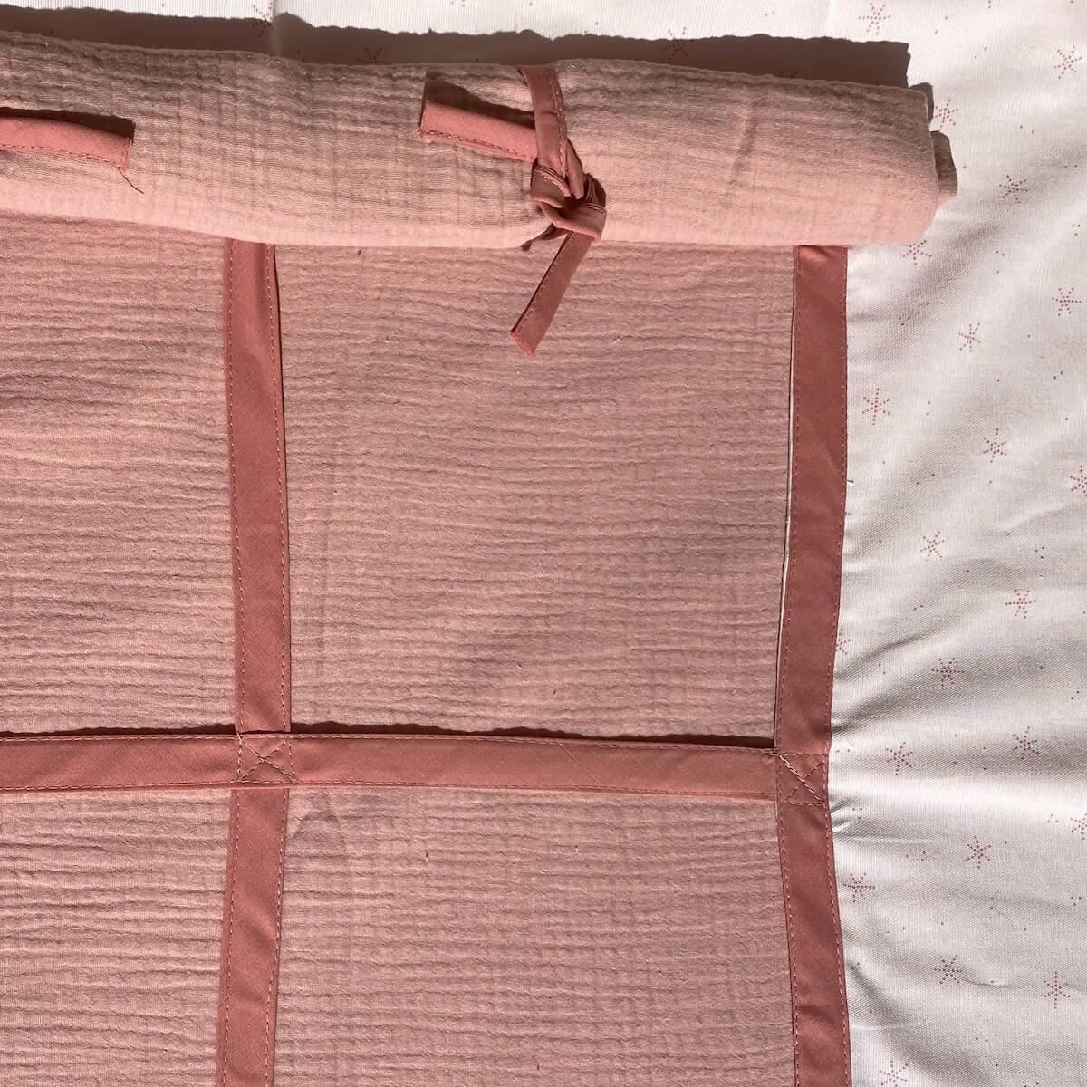 Lit mezzanine KASVA avec textiles Bobble pink