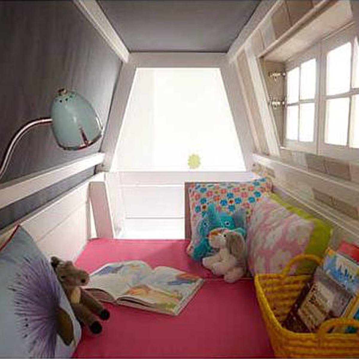 Lits évolutifs cabane superposés 90x200cm sommier LUXE HANGOUT Lifetime blanchi (échelle intérieure)