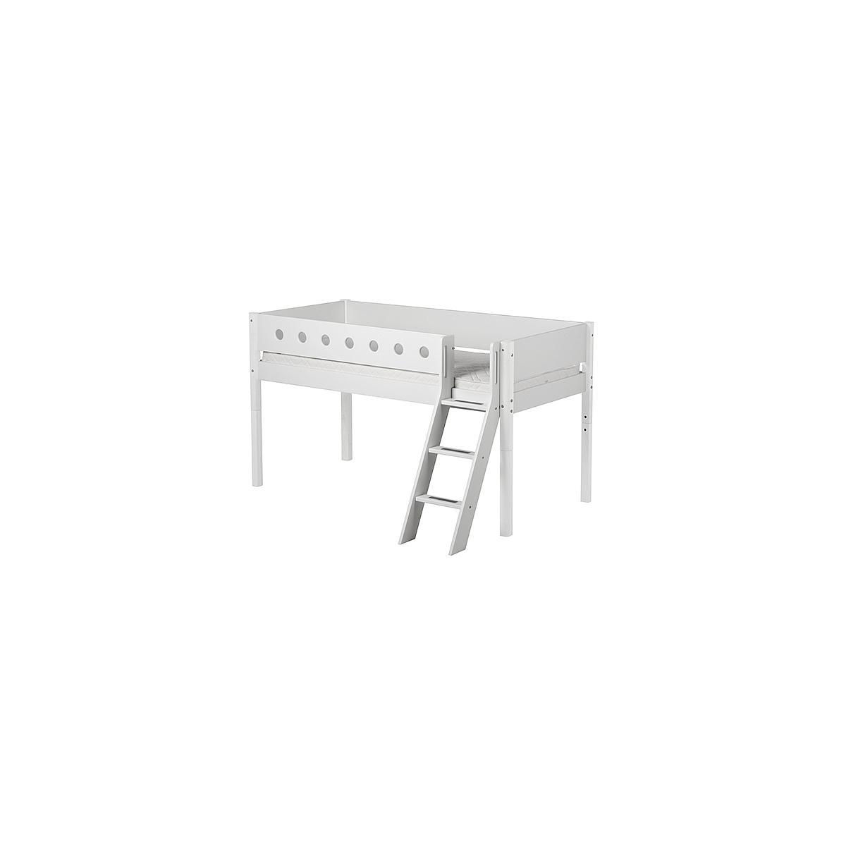 WHITE by Flexa Lit mi-hauteur en MDF 90x190 cm avec échelle inclinée, barrière de sécurité blanche et pieds blancs
